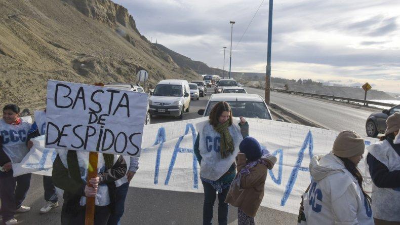 La Corriente Clasista Combativa se movilizó en la ruta Nacional 3 para expresar su oposición a la política económico-social de Mauricio Macri.