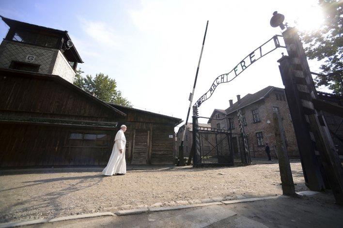 El papa Francisco visitó Auschwitz