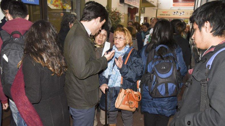 El subsecretario Mariano Lamberti dio la cara ante el masivo malestar de los usuarios del transporte. Según él