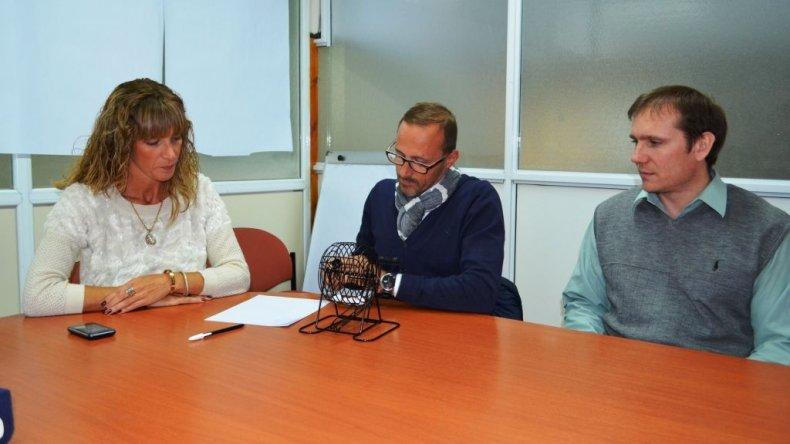 El sorteo se realizó ayer en la Dirección de Rentas del municipio.