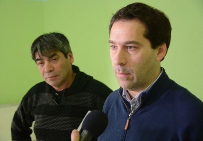 El viceintendente Luque y el vecinalista Curallán dieron detalles de la reunión.