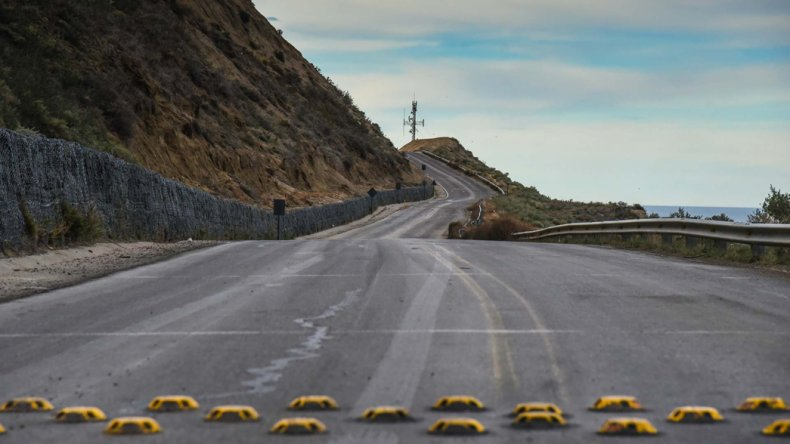 El personal y técnicos de Vialidad Provincial finalizaron ayer los estudios en el tramo crítico del camino Juan Domingo Perón.