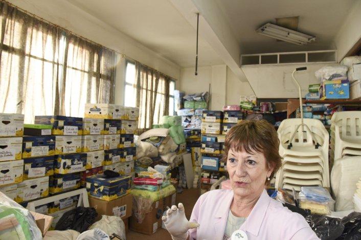 Las voluntarias del Hospital Regional son un indicador de la crisis económica que se acentúa en la ciudad.