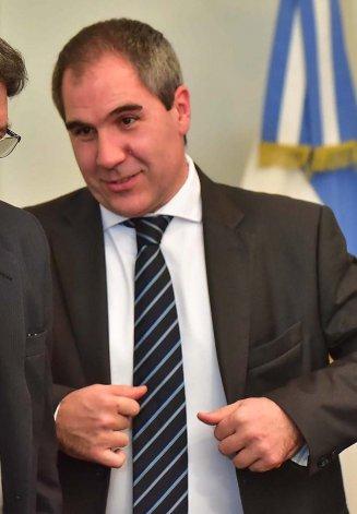 El ministro de Economía se anticipó a la demanda de los docentes