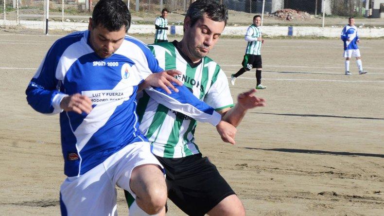 Luz y Fuerza y Pan American empataron sin goles en la división A.