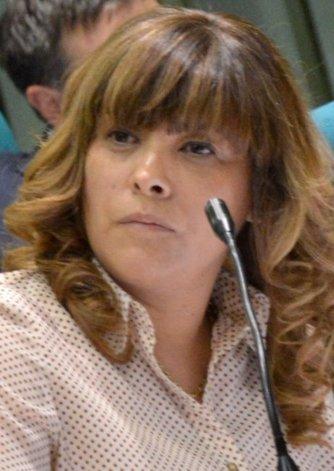 La diputada Gabriela Peralta solicitará que vuelva a ponerse en vigencia la Mesa de Concertación Petrolera.