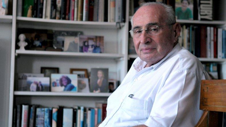 Daniel Muchnik acaba de publicar un libro titulado Todo lo que necesitás saber sobre los genocidios del siglo XX.