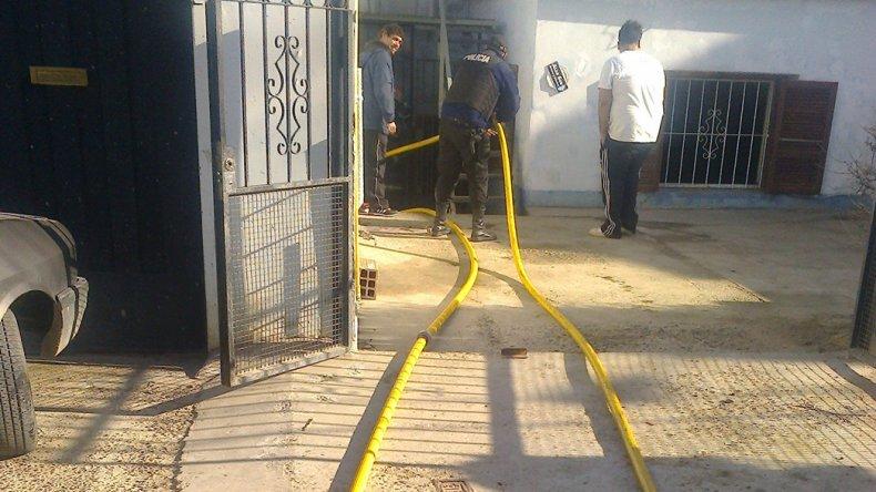 El trabajo de los bomberos en la vivienda.