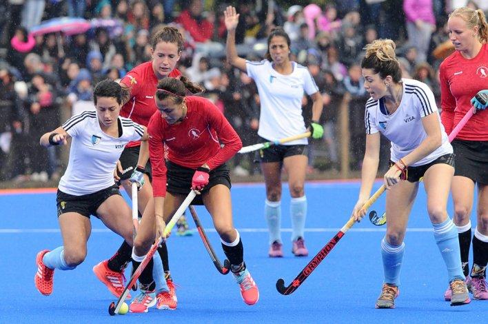 La selección argentina femenina de hóckey sobre césped viene de ganarle a Alemania en lo que fue el cierre de su preparación para Río 2016.