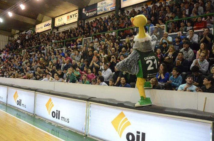 Charito y toda la gente esperan por una nueva temporada de la Liga Nacional de Básquetbol.
