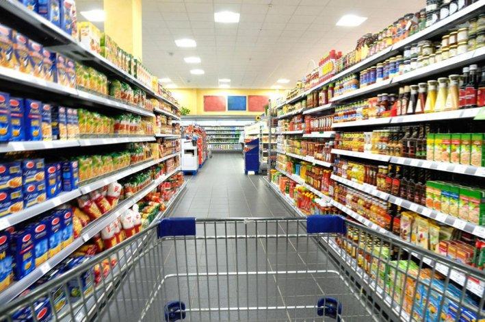 Alertan sobre la caída de compras de bienes de consumo.