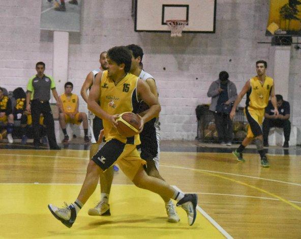 Náutico Rada Tilly viene de vencer en la final del torneo Apertura a General Saavedra.