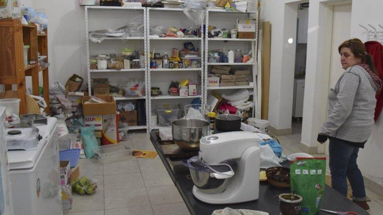 Los ladrones dejaron el sector de procesamiento de productos en un gran desorden
