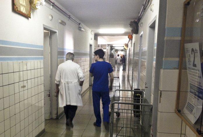 Los trabajadores de la salud pública esperarán hasta el 13 de agosto los resultados de la reunión pactada con el Gobierno provincial.