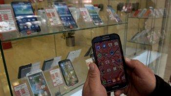 aumentan los abonos en los celulares por tercera vez en el ano