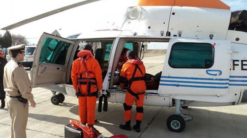 Rescataron a un tripulante herido de un barco pesquero