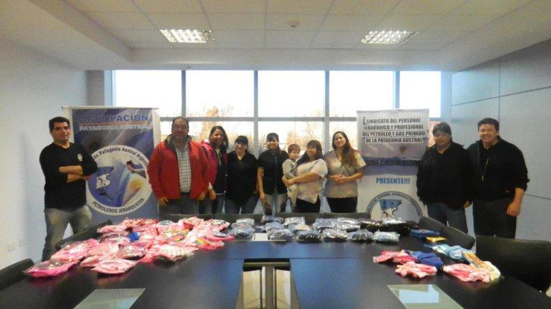 Petroleros Jerárquicos hicieron una entrega de indumentaria invernal para niños carenciados