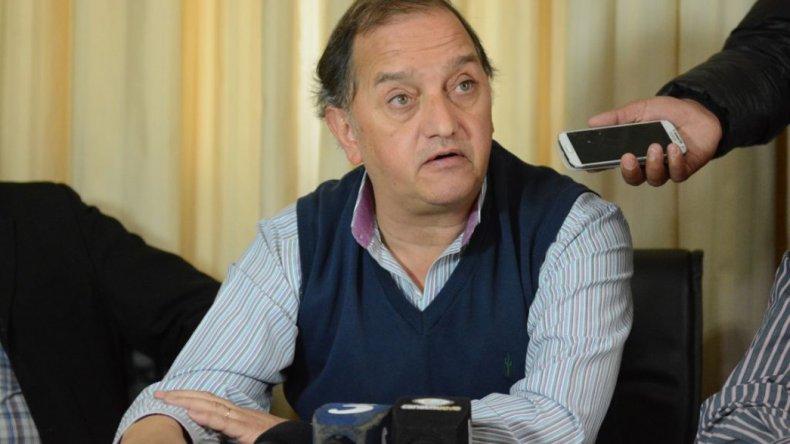Carlos Linares duro con el Gobierno nacional. La gente en sí es poco para ellos