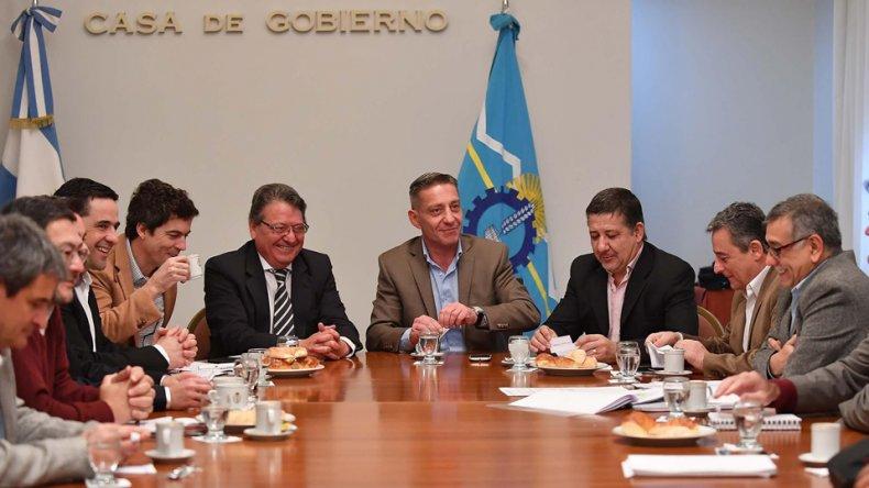 Arcioni y parte del gabinete provincial recibieron ayer
