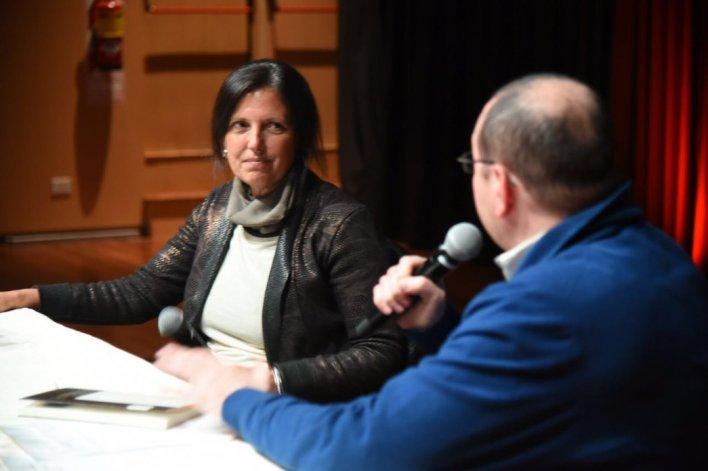 Claudia Piñeiro participó de la Feria del Libro con la presentación de su última novela titulada Una suerte pequeña.