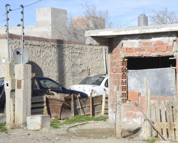 Allanamientos y un detenido por un robo agravado en el Moure
