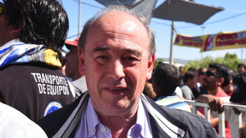 La causa iniciada contra el dirigente José Santiago por el corte de agua de hace dos años aún aguarda una definición en la Justicia.