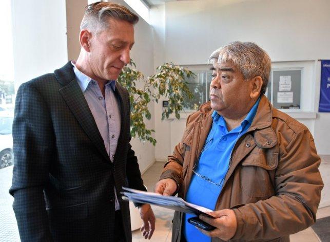 El vicegobernador Mariano Arcioni junto al diputado provincial y referente petrolero