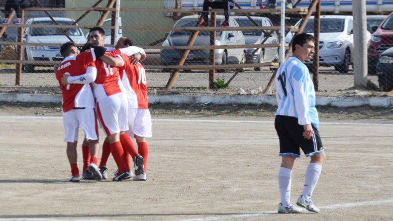 Roca derrotó 3-2 a Puerto Argentino