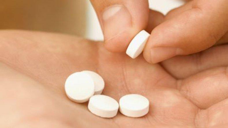 El principal problema es que la gente suele automedicarse con aquellas drogas que precisan receta.