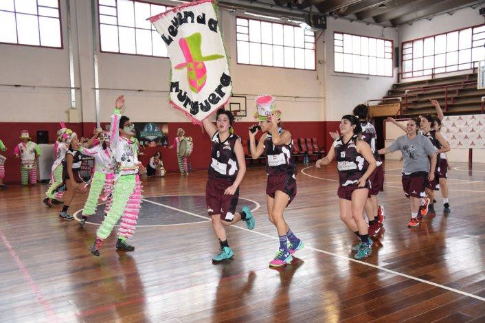 Las juveniles de Federación Deportiva festejan con Leyenda Murguera