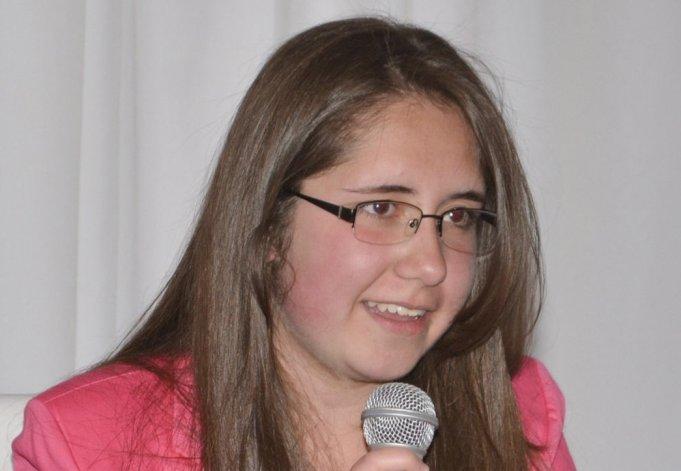 Sheila Marlén Lincheski viajará a Colombia para asistir a un Encuentro Internacional de Escritores.
