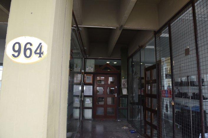 Daniela pensó que el edificio de la calle 25 de Mayo era un lugar seguro. Se equivocó. ¿Las cámaras permitirán aclarar algo?