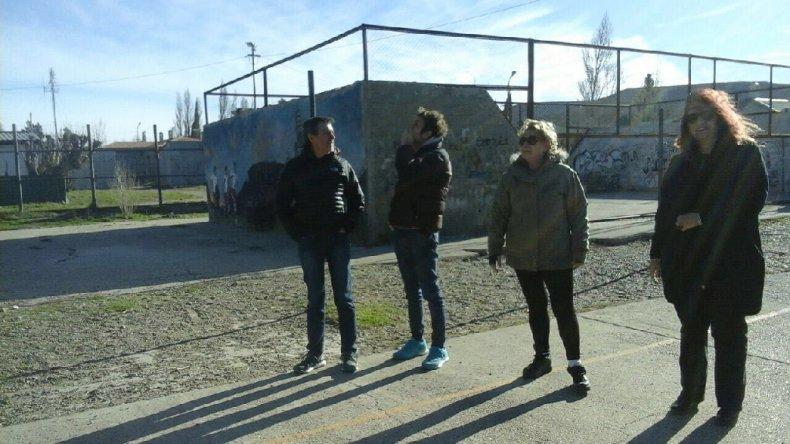 Funcionarios municipales tomaron nota de las demandas actuales de los vecinos de Diadema.