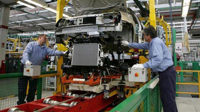 El sector automotriz es uno de los más golpeados con los despidos.
