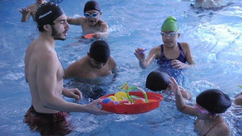 Comenzó el segundo turno de natación  de los Juegos Comunitarios Félix Sáez