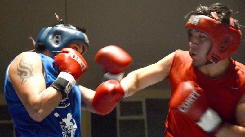 Siete fueron los combates que se llevaron a cabo la noche del sábado en el gimnasio municipal 1.
