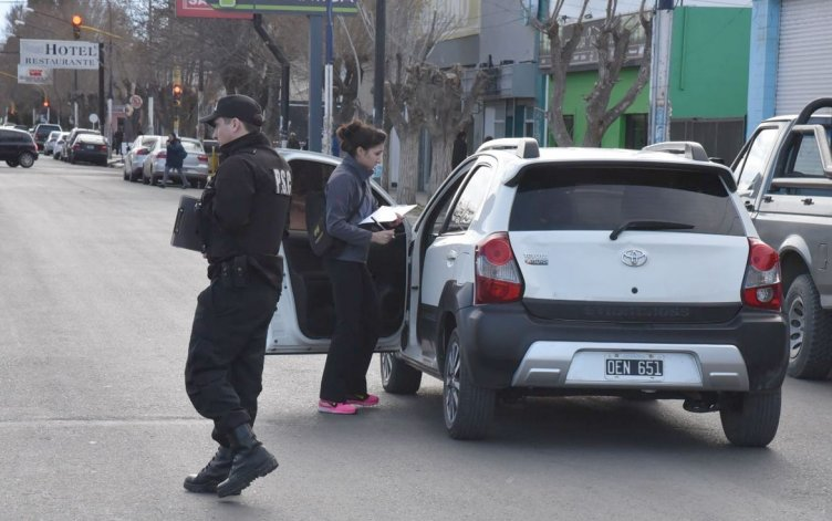 Personal de la División Accidentología Vial realizó las pericias en el lugar del accidente.
