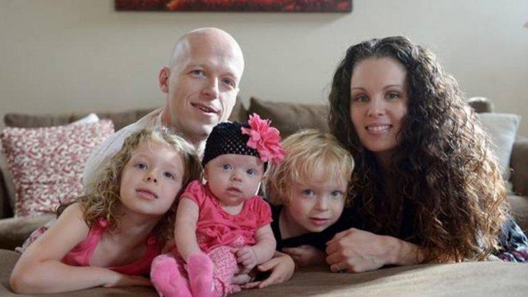 Luchaba por la salud de su beba y los encontraron a todos muertos