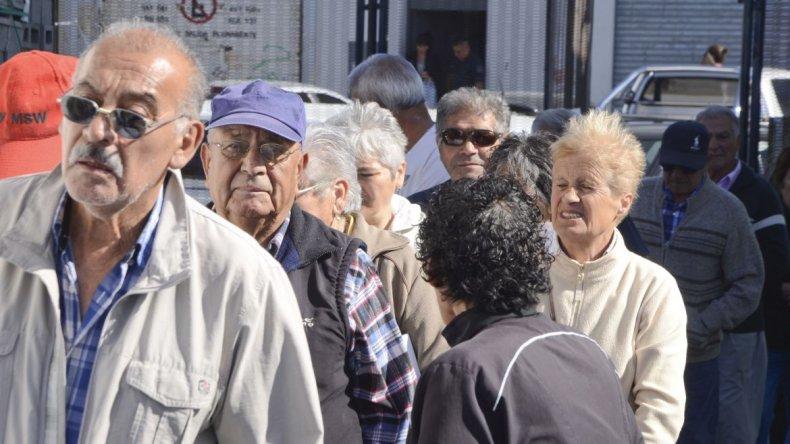 Jubilados solicitaron información y asistencia con la SUBE