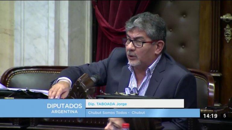 Taboada incluyó la crisis petrolera al debate de diputados
