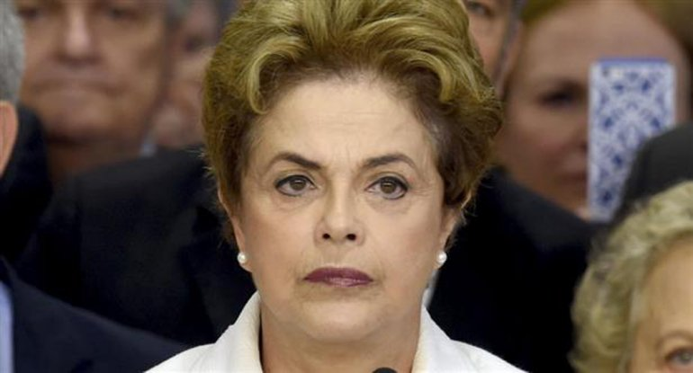 El PT juega la carta internacional para proteger a Dilma.