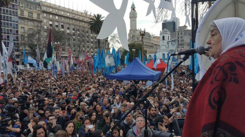 Hebe encabezó la marcha 2.000 de las Madres de Plaza de Mayo.