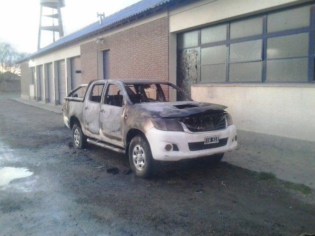 Durante la madrugada fue incendiada una camioneta alquilada por la SCPL que se hallaba en la planta potabilizadora.