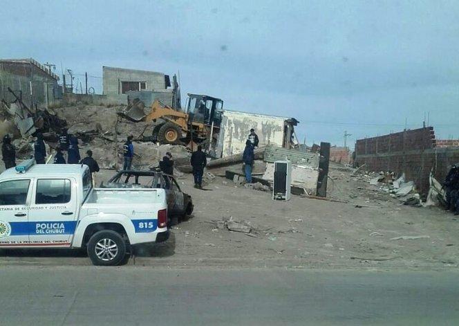 Policía e Infantería desarman el aguantadero de los Nieves