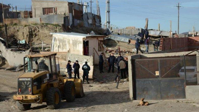 Policías custodian el aguantadero de Los Nieves para su segunda demolición