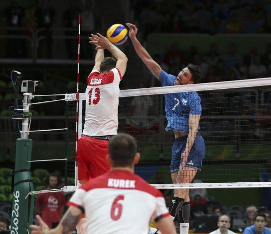 La selección argentina de vóleibol irá hoy por su clasificación para los cuartos de final del torneo olímpico de Río.