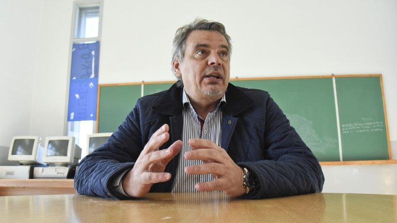 Claudio Mate cuestionó la sanción de la ley y de inmediato le salieron a contestar
