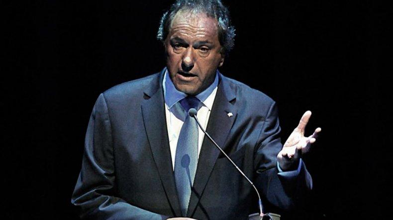 El ex candidato a Presidente cuestionó duramente las políticas del Gobierno nacional.