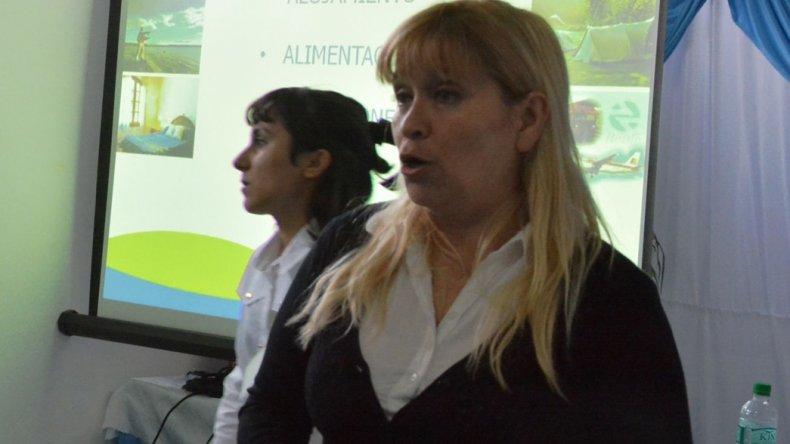 Alejandra Márquez y Nieves Campillo brindaron un taller sobre atractivos turísticos de la ciudad.