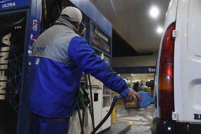 Por cuarto mes consecutivo cayó  la venta de naftas en Comodoro